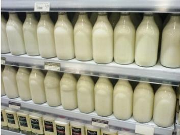 Agrární komory zemí V4 požadují zavedení minimálních cen mléka